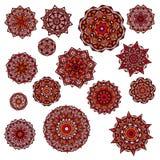 Uppsättning av mandalas, rund etnisk prydnad Tappning snör åt mönstrar Ljus cirkelillustration Arkivfoton