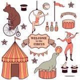 Uppsättning av olika cirkusbeståndsdelar Arkivbild