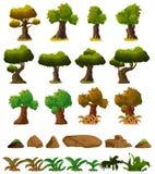 Uppsättning för beståndsdelar för tecknad filmnaturlandskap, träd, stenar och gräsgemkonst som isoleras på vit bakgrund Fotografering för Bildbyråer