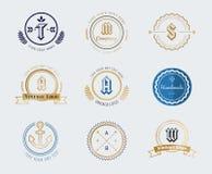 Uppsättning för mall för symbol för logo för sköld för gammal stil för tappning Arkivbild