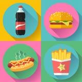 Uppsättning för symbol för snabbmatlägenhetdesign hamburgare-, cola-, varmkorv- och fransmansmåfiskar Arkivfoto