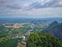 Upptäckt av Thailand, Tiger Cave sikt royaltyfria foton