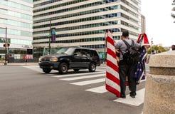 Uppta Wall Streetpersonen som protesterar Arkivbild