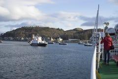 Upptagen dag i hamnen Royaltyfri Bild