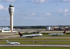 Upptagen flygplats Fotografering för Bildbyråer