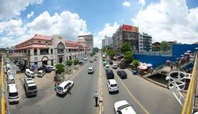 Upptagen gata i Yangon Fotografering för Bildbyråer