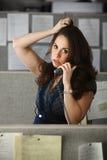 upptagen kontorskvinna Royaltyfria Bilder