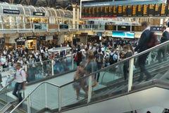 Upptagen Liverpool station i London, England Fotografering för Bildbyråer