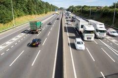 Upptagen Motorway från över arkivbild