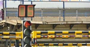 upptagen stads- trafik 4k & trafikljus, porslin stock video