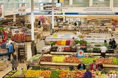 Upptagen supermarketplats royaltyfria bilder