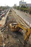 Upptagen trafik i pang Kae som är östlig av Bangkok Arkivbilder