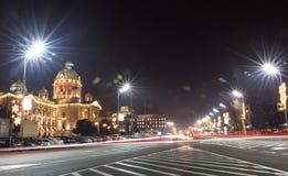 Upptagen trafik på gator för Belgrade ` s royaltyfria bilder