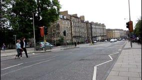 Upptagen väg i Edinburg scotland arkivfilmer