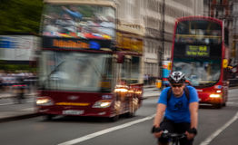 Upptagna gator av London Arkivfoto