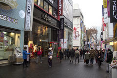 Upptagna gator av Myeongdong Seoul Korea Royaltyfria Foton