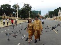 Upptagna gator av Phnom Penh - huvudstad av Cambodja Royaltyfria Foton