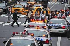 Upptagna New York gator Royaltyfri Bild