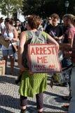 upptar global lisbon mass för 15 oktober protester Arkivfoto