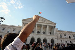 upptar global lisbon mass för 15 oktober protester Royaltyfria Bilder
