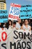 upptar global lisbon mass för 15 oktober protester Arkivbild