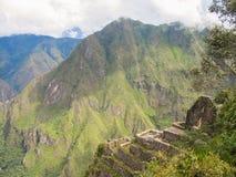 Upptill - en sikt av Machu Picchu från det Wayna Picchu berget Fotografering för Bildbyråer