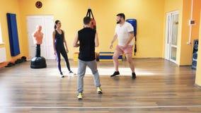 Uppvärmning för den boxas utbildningen Personlig lagledare Instruktör och en-på-en övning och övning Konditionlätthet lager videofilmer