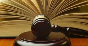 Uppvakta den lagliga klubban för lagsystemet av den lagliga koden för domaren av domen