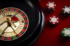 Uprawiać hazard, kasynowe gry i hazardu przemysłu pojęcie z dwadzieścia jeden wygranie liczba, 21 jesteśmy czerwieni liczbą na ru obrazy royalty free