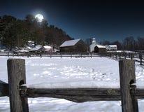 Uprawiać ziemię miasteczko przy nocą Fotografia Royalty Free