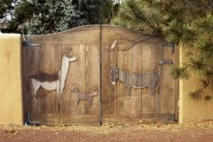 Uprawia ziemię na bramie w Santa Fe, Nowym - Mexico Zdjęcia Stock