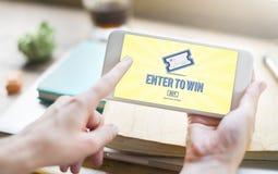 Uprawiający hazard najwyższej wygrany szczęście Wchodzić do Wygrywać loteryjka bileta pojęcie Fotografia Royalty Free
