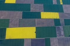 Uprawiający ziemię pola widok z lotu ptaka obraz stock