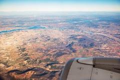 Uprawiający ziemię pola widok z lotu ptaka od samolotu blisko Madryt obrazy stock