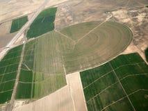 Uprawiający ziemię wokoło pola Obraz Royalty Free