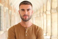 Uprzejmy brodaty męski portret Fotografia Royalty Free