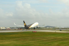 UPS Airlines Boeing 767 at Philadelphia Airport Stock Photos