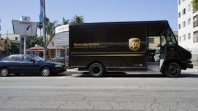 UPS Delevering范 库存图片