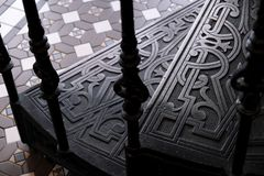 UPS kroki fałszował metali schodki z wzorami fotografia royalty free