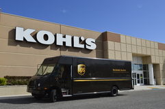 UPS truck in front of Kohl's Department Store Royalty Free Stock Images