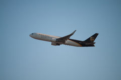 UPS-Vliegtuig Royalty-vrije Stock Foto's