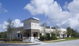 Upscale pastel retail strip mall Royalty Free Stock Images
