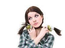 Upset девушка с отрезками провода Стоковое фото RF