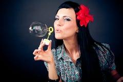 όμορφες γυναίκες σαπο&upsilon Στοκ Φωτογραφίες