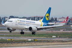UR-GAU Ukraine International Airlines, Boeing 737-5YO Image libre de droits