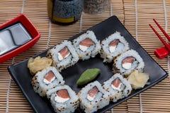 Uramaki japonés de la comida Fotos de archivo