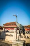 Żuraw brązowa statua - Zakazujący miasto, Pekin, Chiny Obraz Stock
