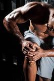 urazu kolanowego samiec bólu biegacza działający sporty obrazy stock