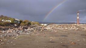 Urbain, déchets, industriels, arc-en-ciel, construisant photos libres de droits