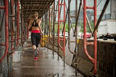Urban fitness runner Royalty Free Stock Photos